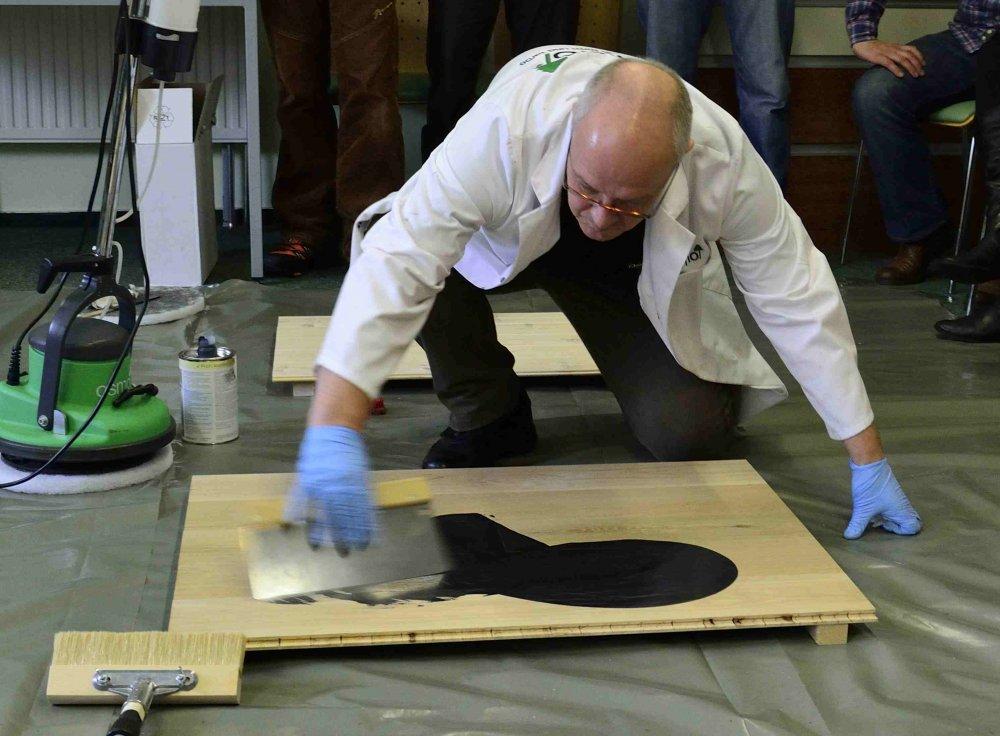 stěrkování olejového mořidla